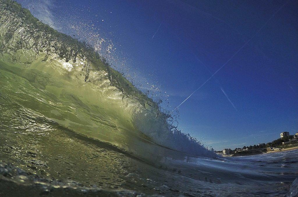 A la sombra de una ola